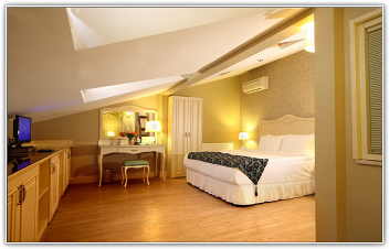 raymond-hotel